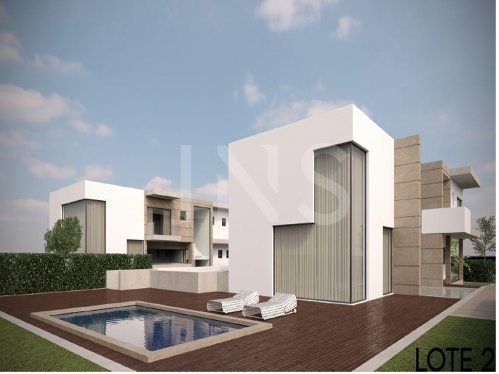 Condominio con 4 villas, con piscina privada y jardín. - INS ...