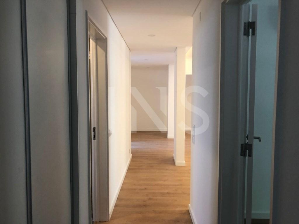 2 bed Apartment in Cascais E Estoril image 5