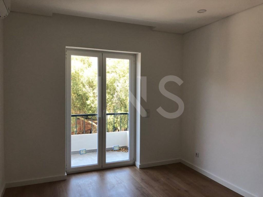 2 bed Apartment in Cascais E Estoril image 8