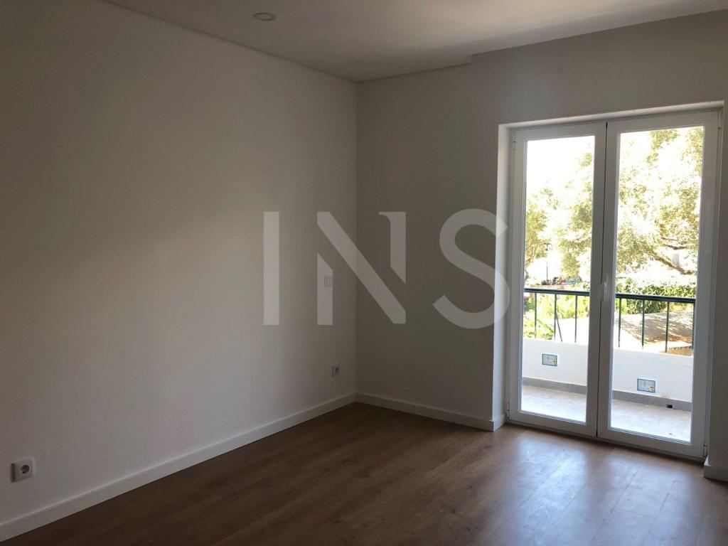2 bed Apartment in Cascais E Estoril image 9