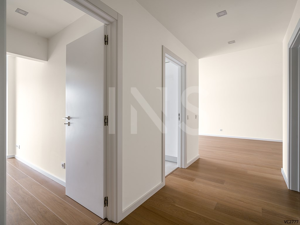 1 bed Apartment in Carcavelos E Parede image 3