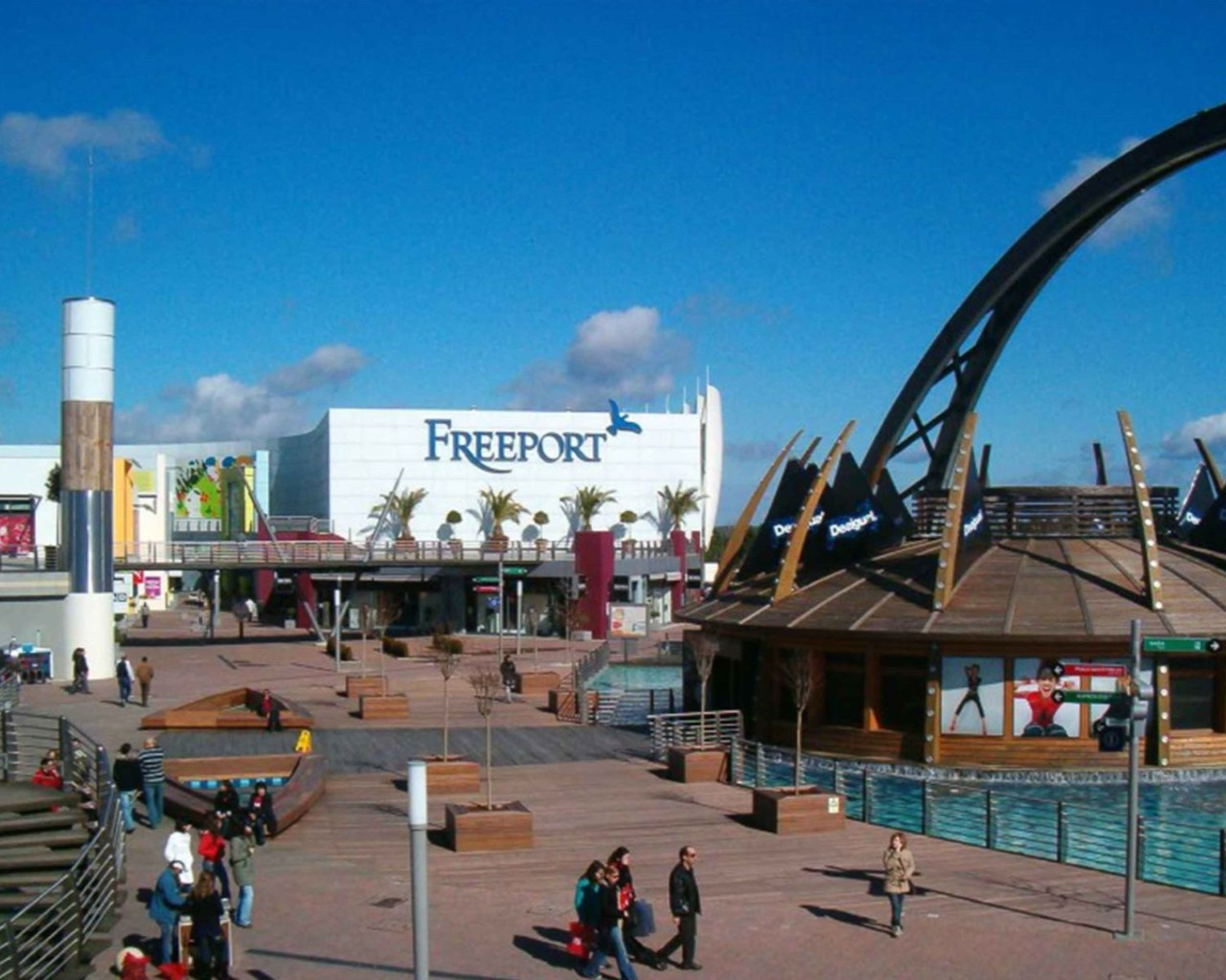 freeport Outlet near from Praia do Sal