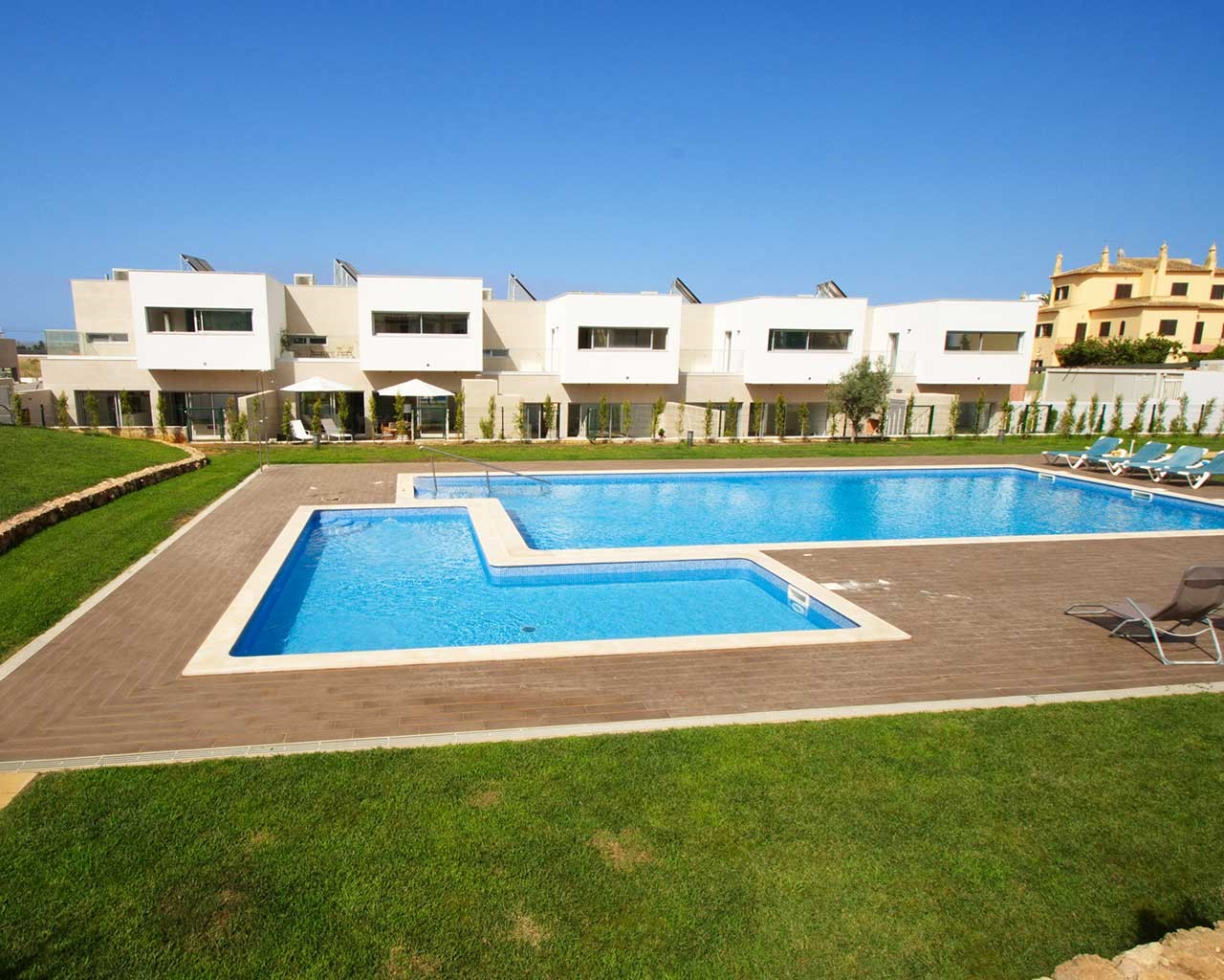 ferragudo-design-villas-pool