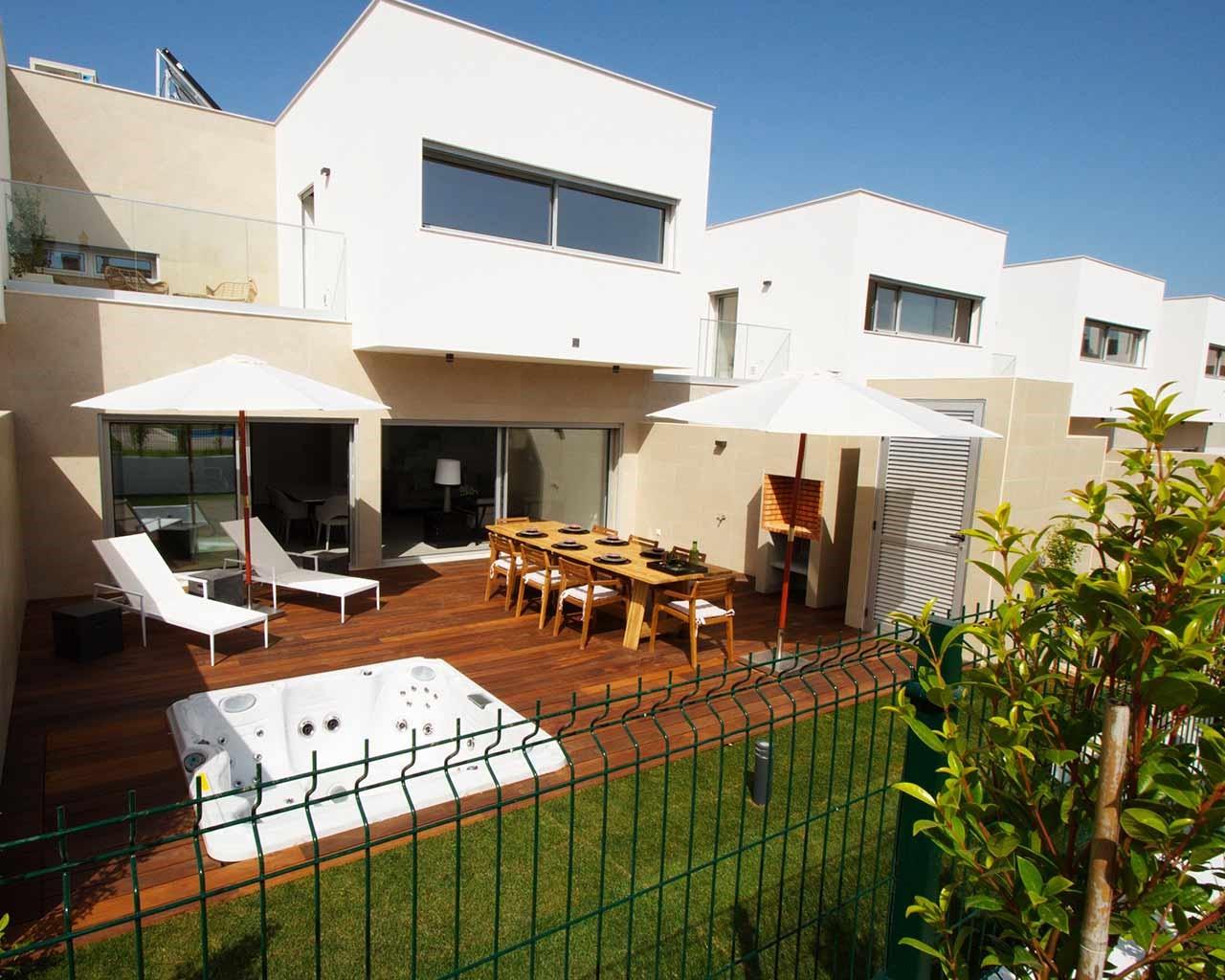 ferragudo-design-villas-terrace-vuepiscine
