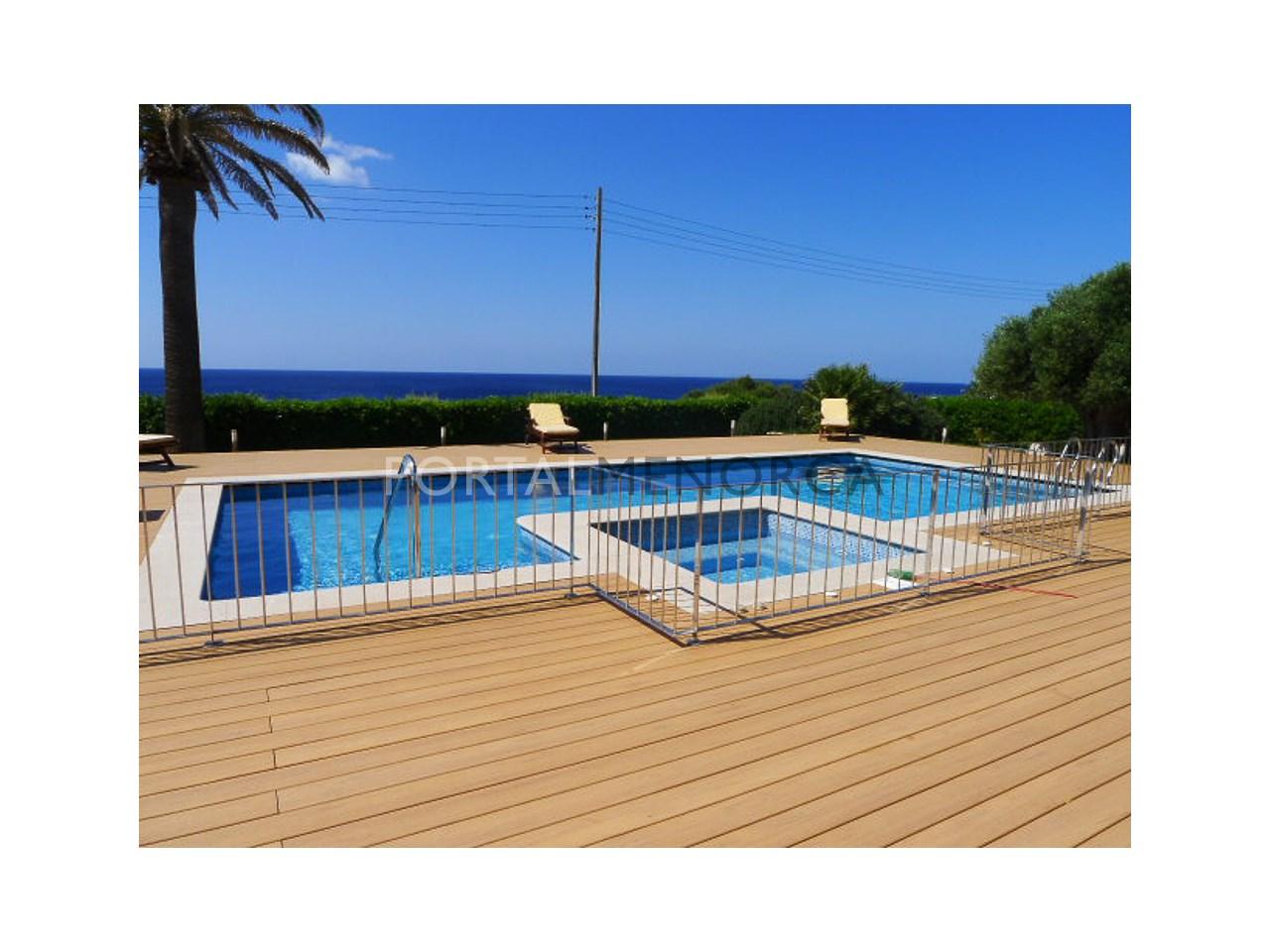 piscina con terraza