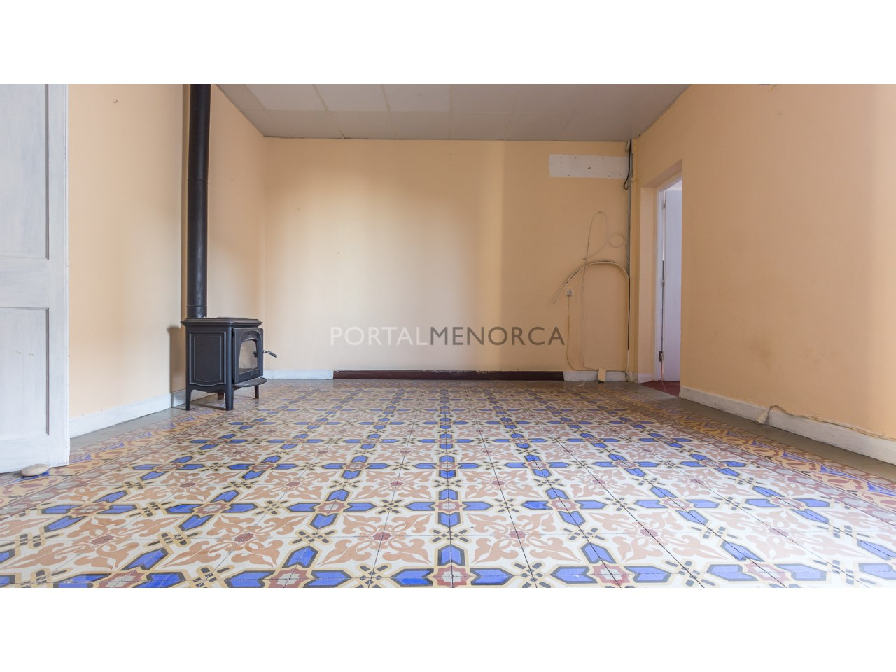 Traditional townhouse for sale in Menorca