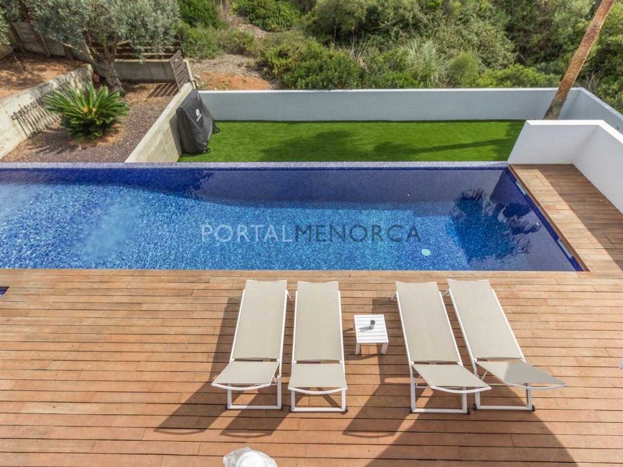 villa with swimming pool in cala Llonga, Menorca (1 de 23)