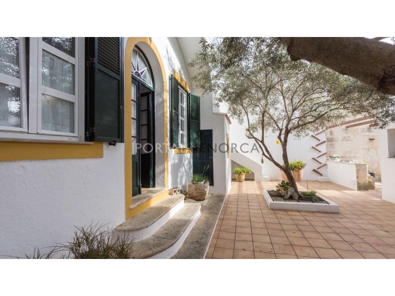 casa con jardin en Es Castell 2 (2 de 6)