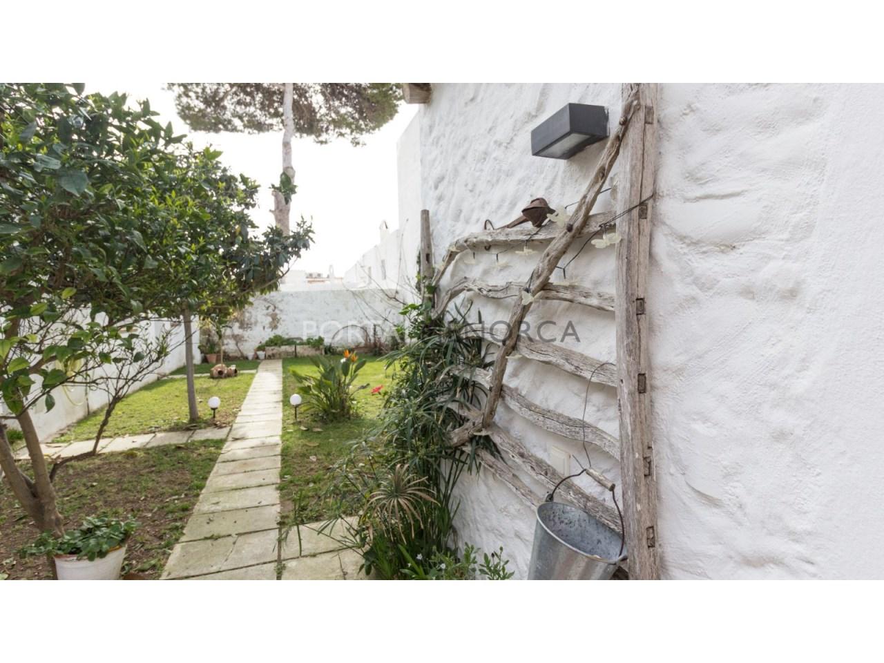 casa con jardin en Es Castell 2 (6 de 6)