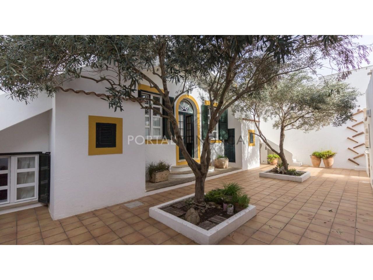 casa con jardin en Es Castell 2 (1 de 6)