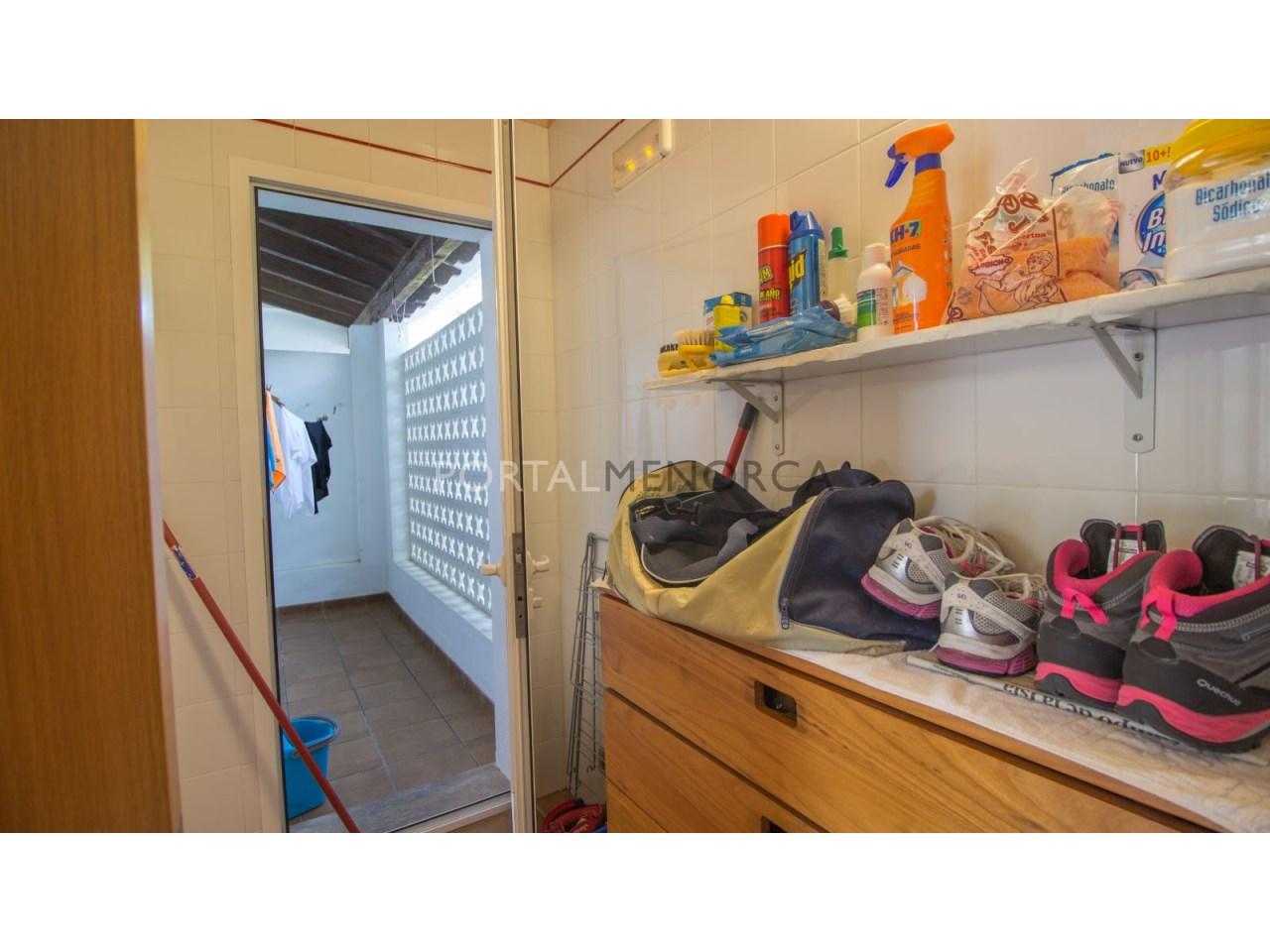 9 Lavadero y zona tender - Chalet en venta en Addaia (3)
