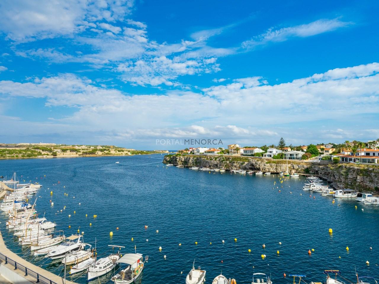 apartamento vistas mar es castell (1)