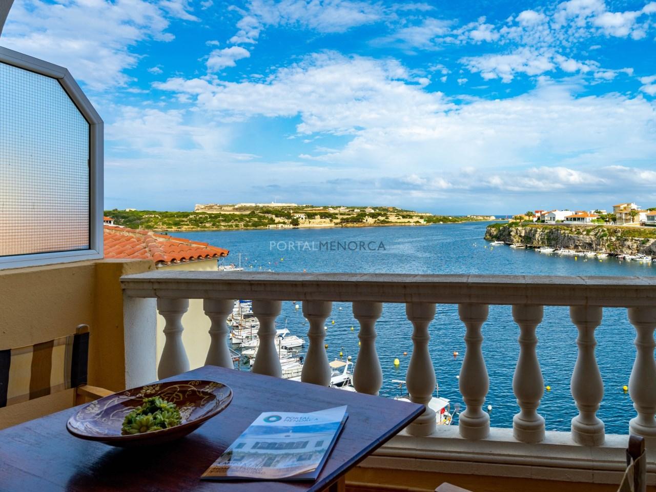 apartamento vistas mar es castell (4)