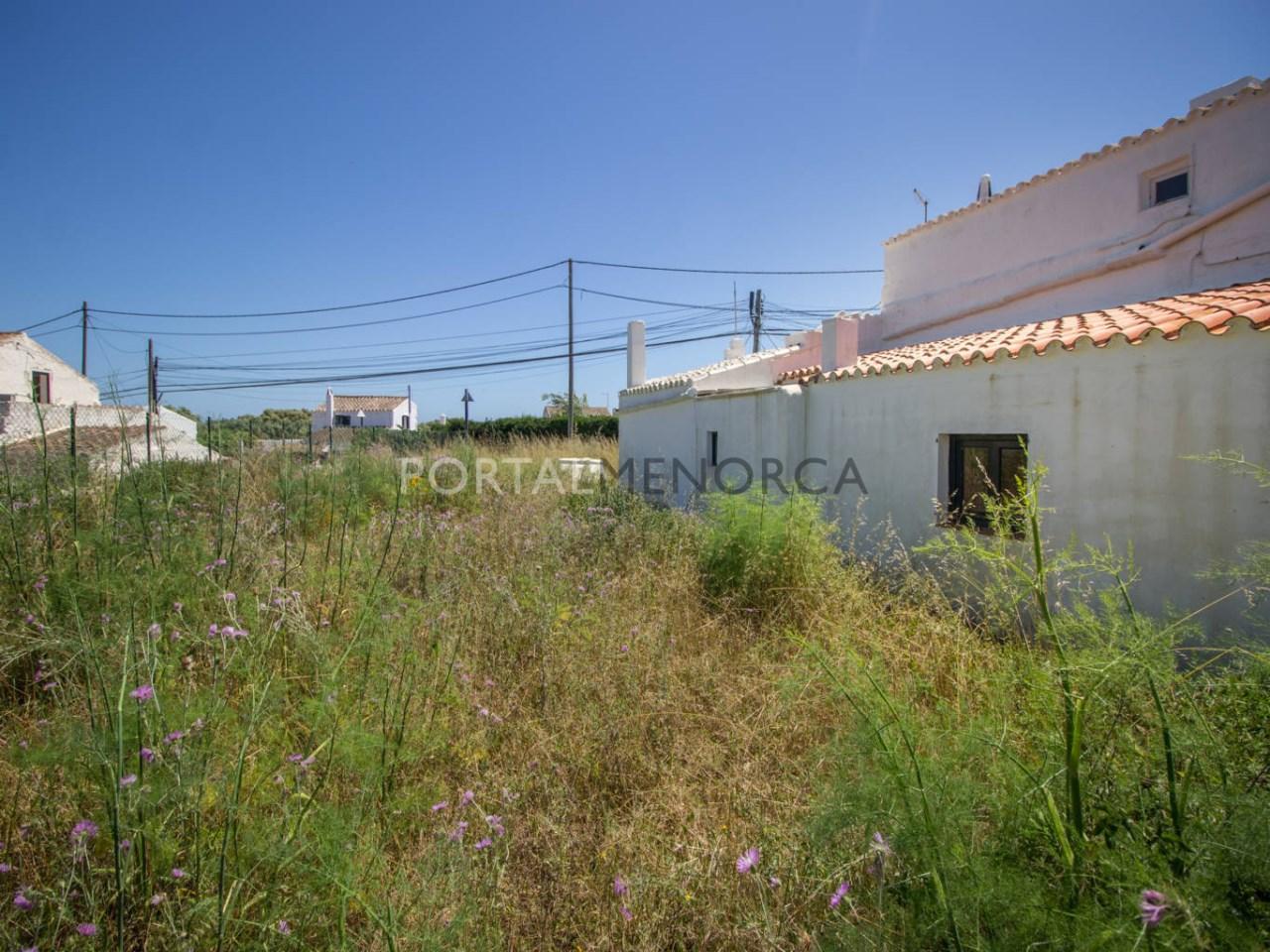 Re_ 1 casa en caserío s'uestra - fachada y jardín (4)