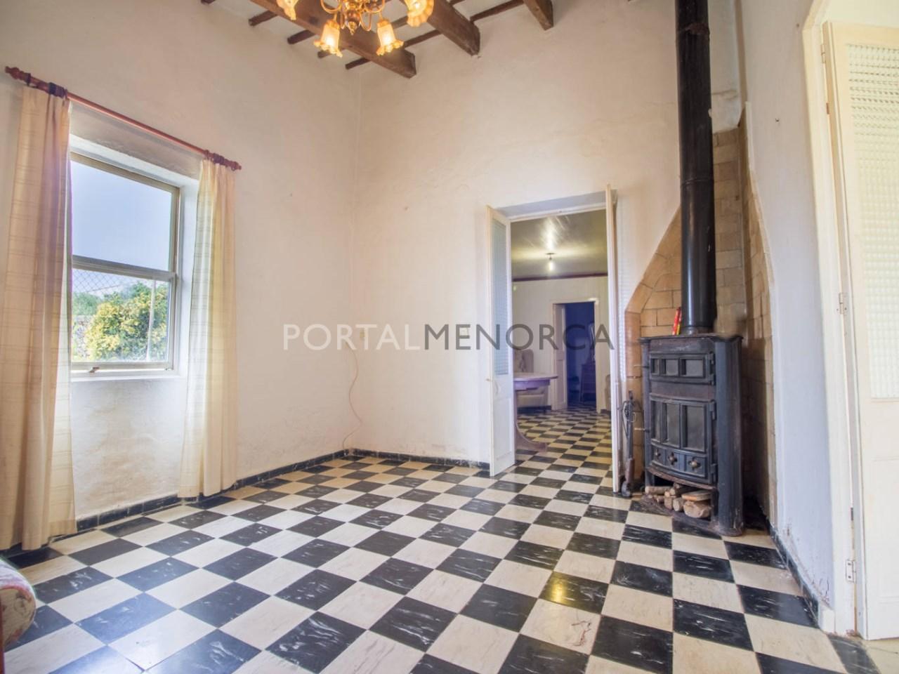Re_ 2 recibidores y salones casa en venta en sant lluís (8)