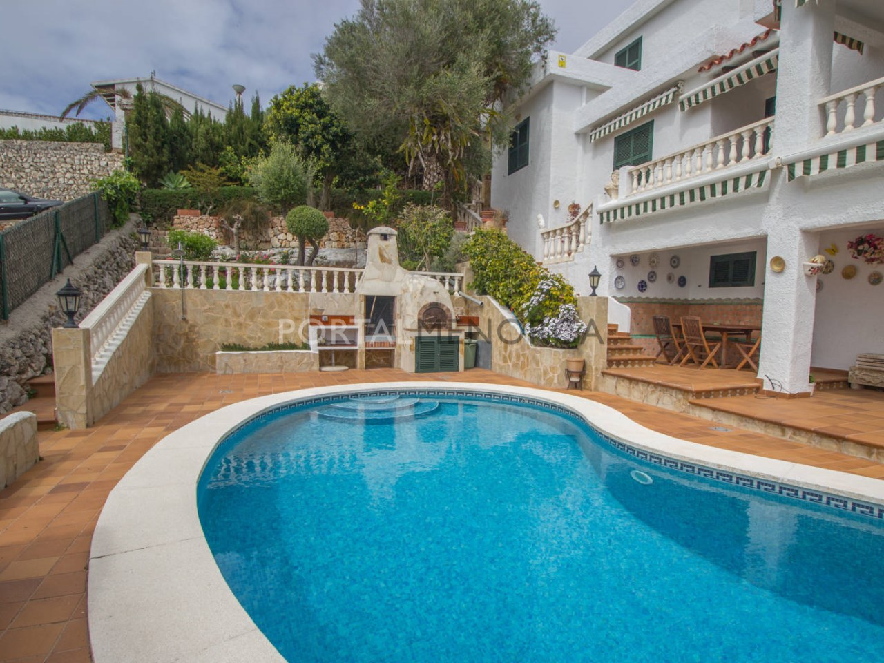 Villa for sale in Binibeca with swimming pool\n