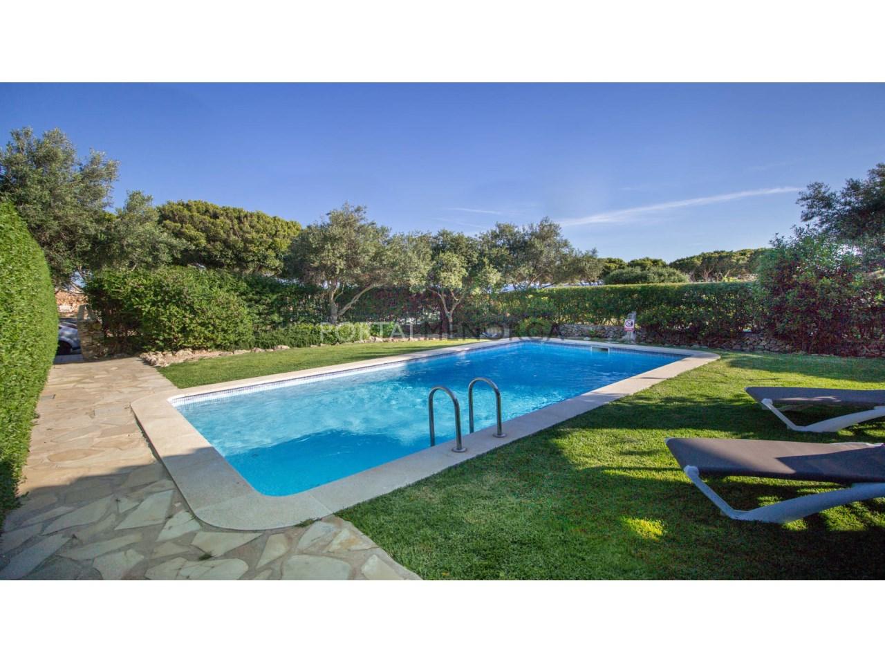 Chalet en venta con piscina y licencia turística en Biniancolla