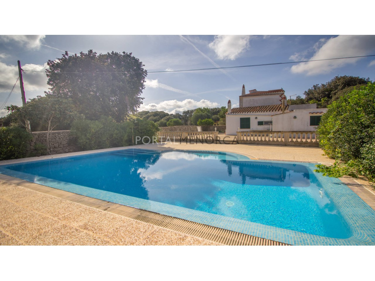 Country house for sale in Alaior with a swimming pool