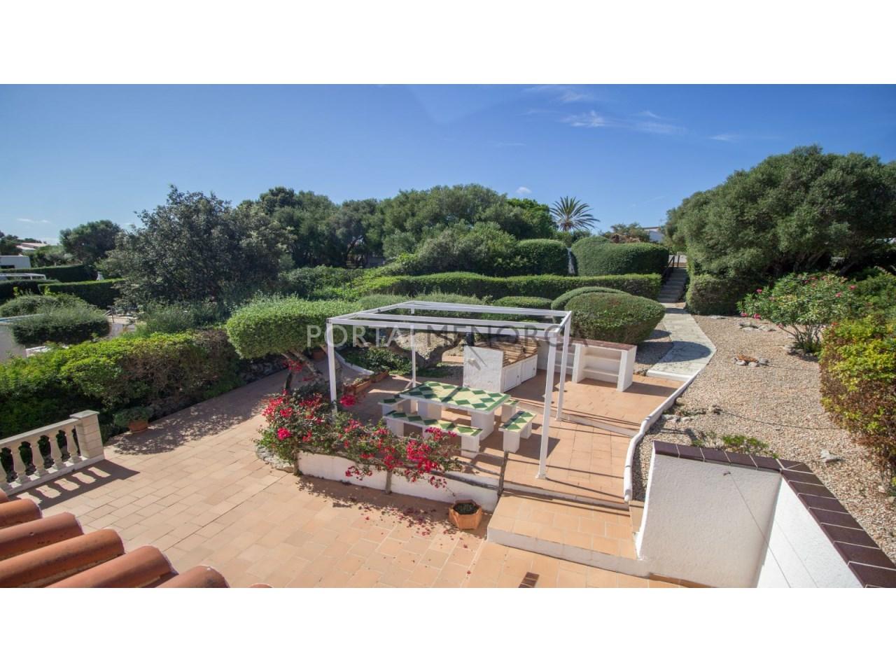 Villa for sale in Menorca with community pool y big terrace