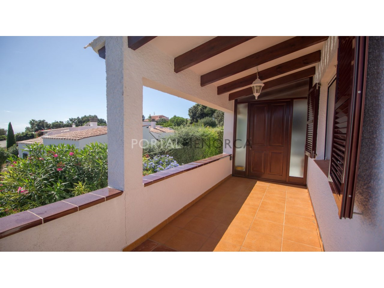 House for sale in Menorca next to the sea