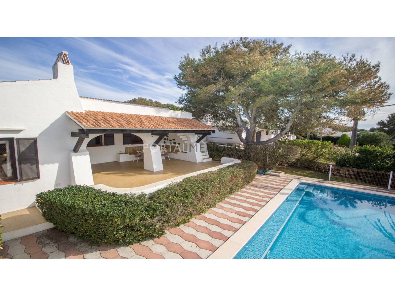 Villa with pool for sale in Binibeca