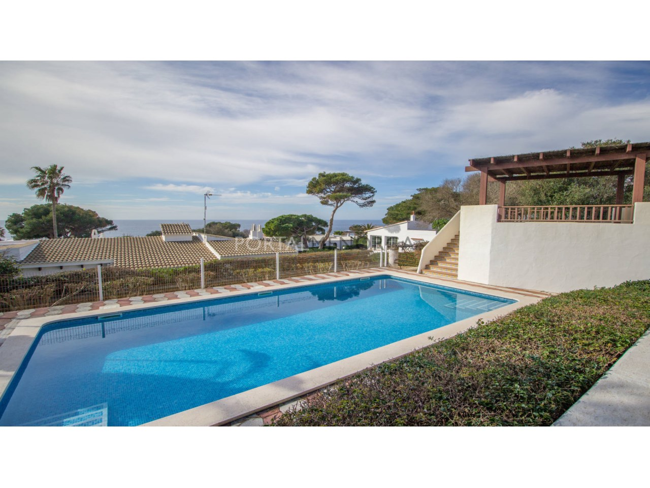House with pool and sea view for sale in Binibeca