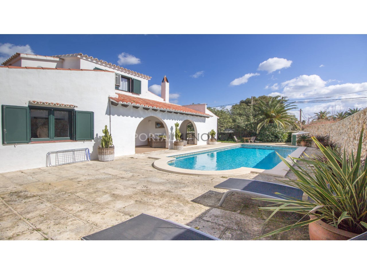 Villa with pool for sale in Trebaluger