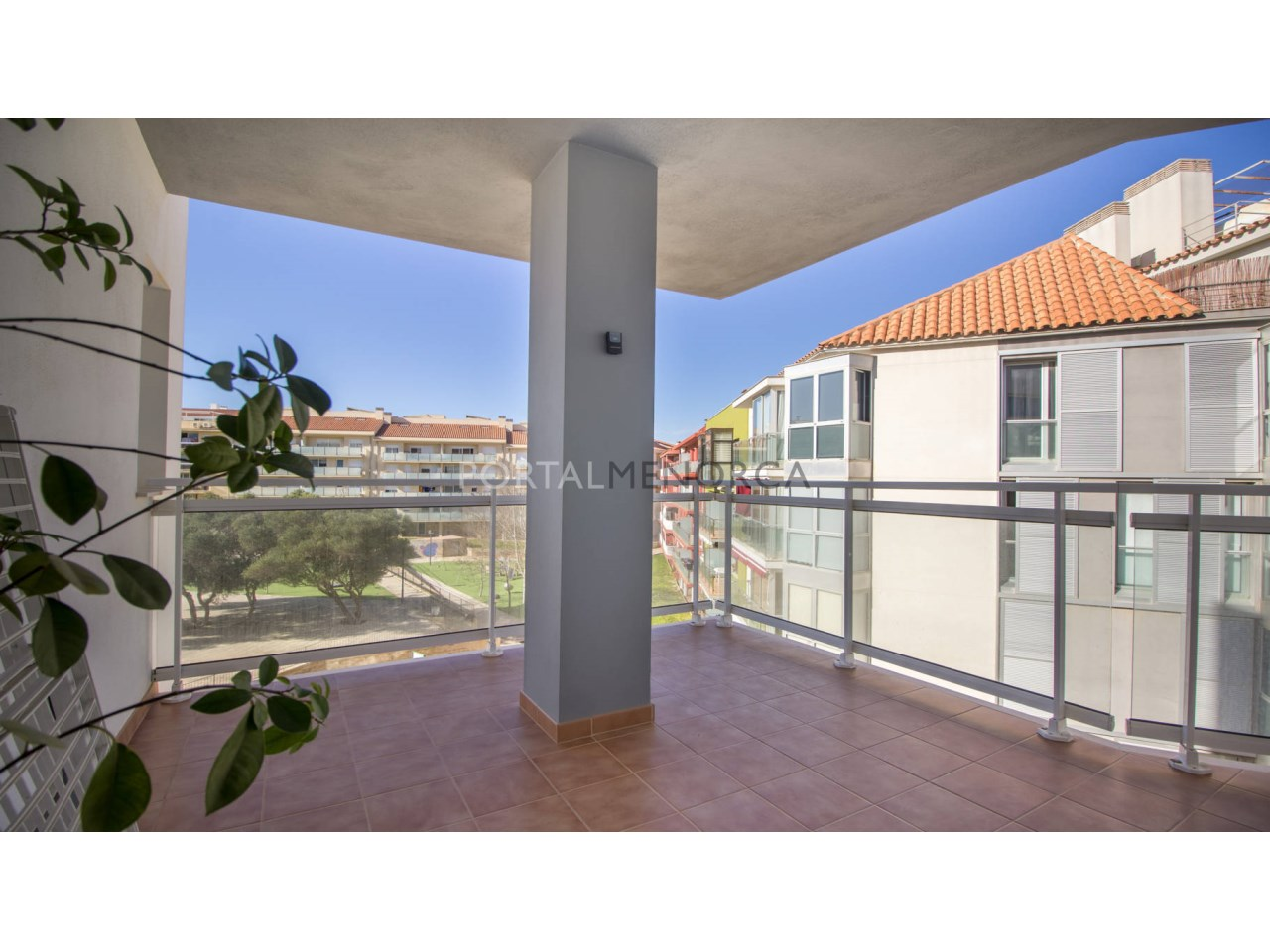 Flat with terrace and parking for sale in Mahón