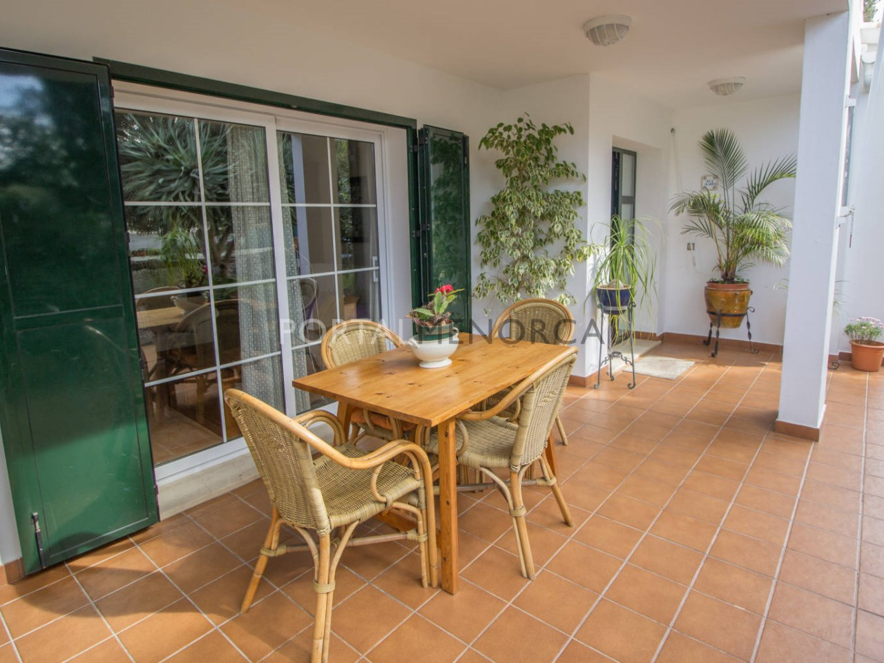 Country house with big garden for sale in Trebaluger