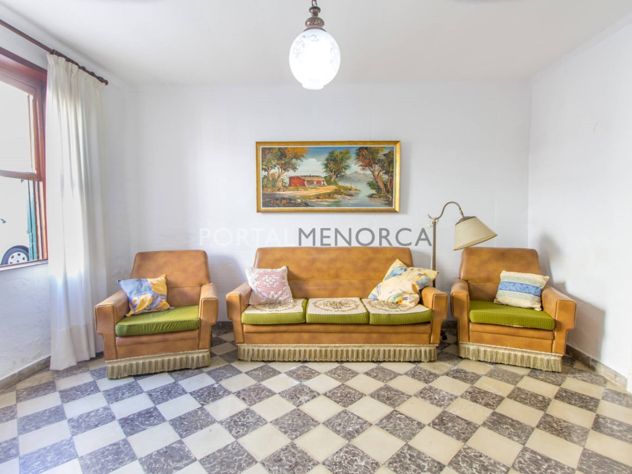 Ground floor house with patio for sale in Menorca