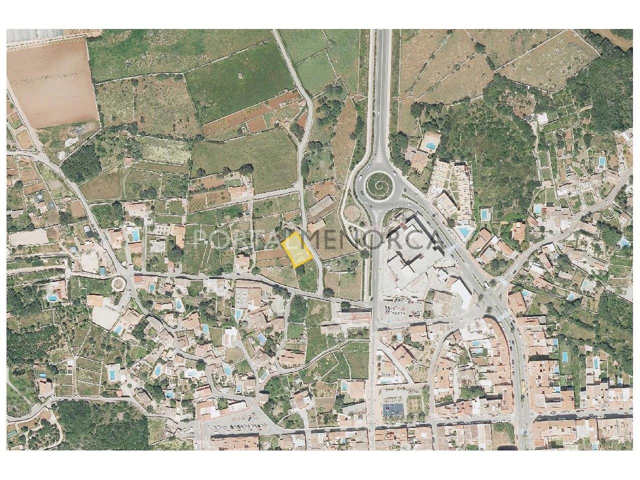 Parcela urbana edificable en venta en Menorca