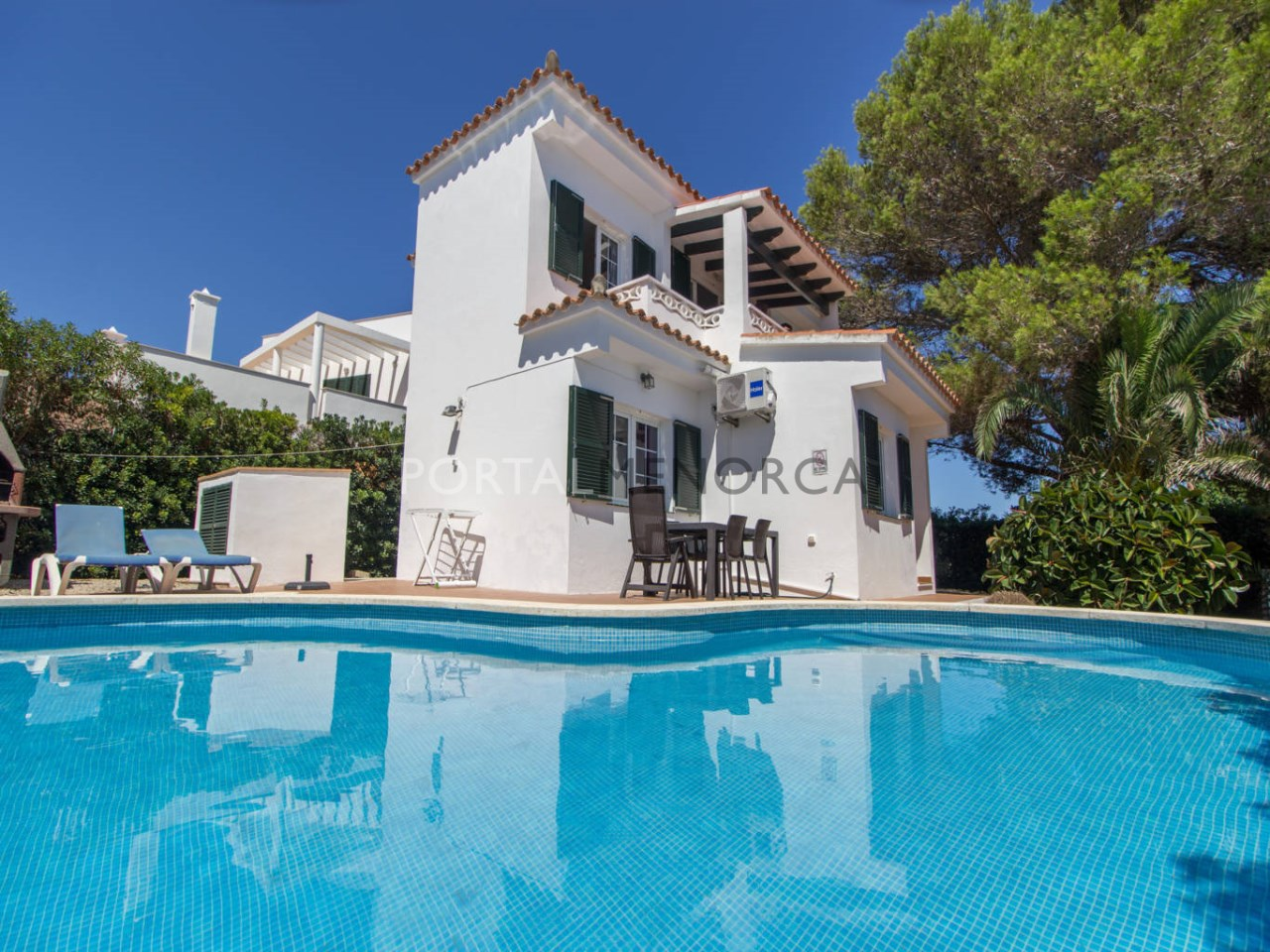 House for sale in Binibeca Vell with tourist licence and sea views