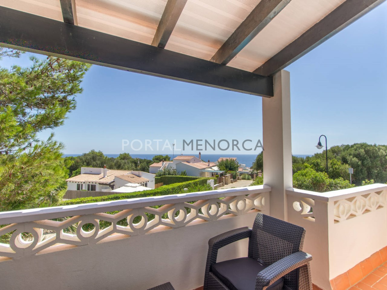 Villa for sale in Menorca with tourist licence and sea views