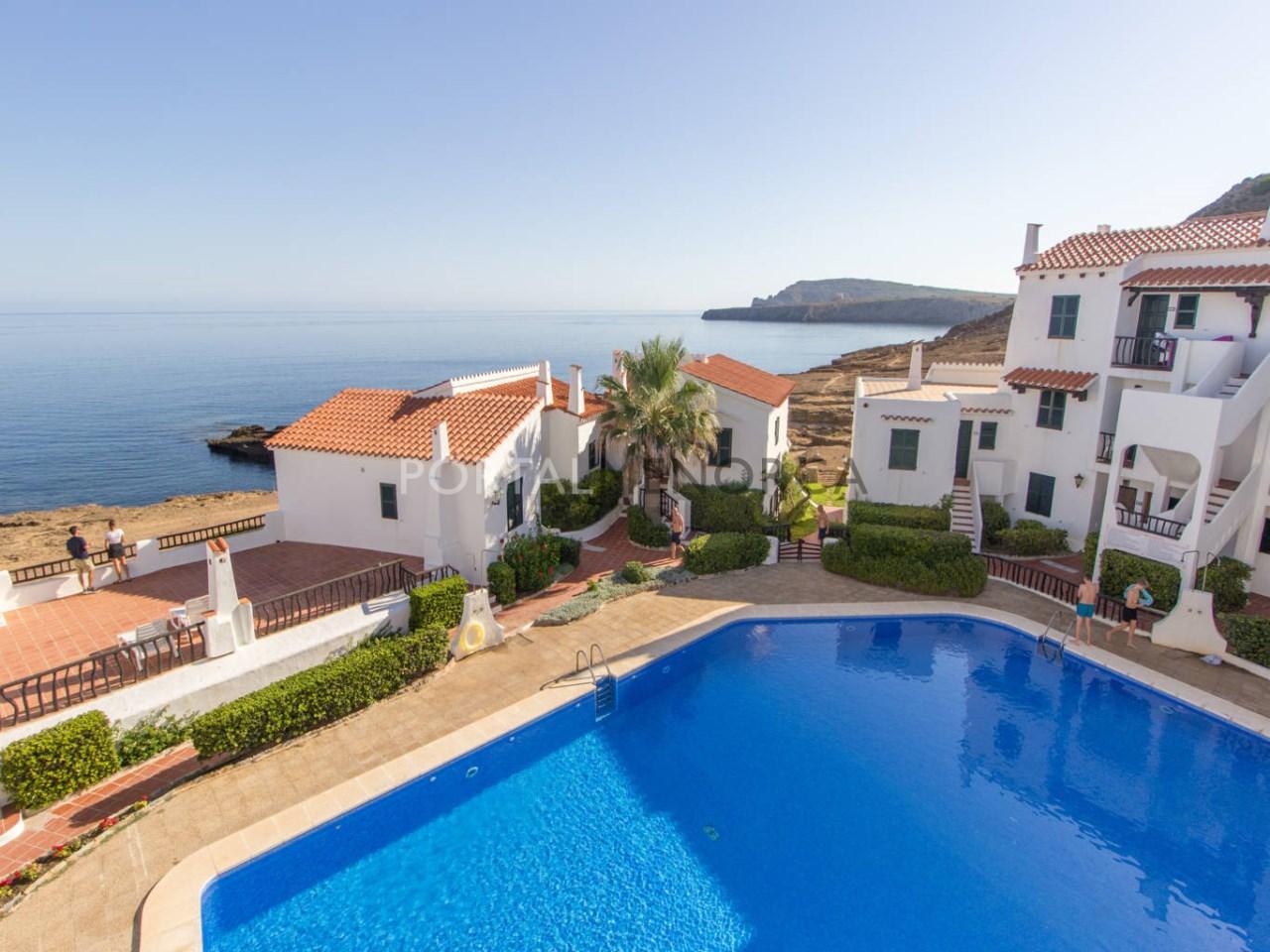 Apartamento con vistas al mar en venta en Playas de Fornells