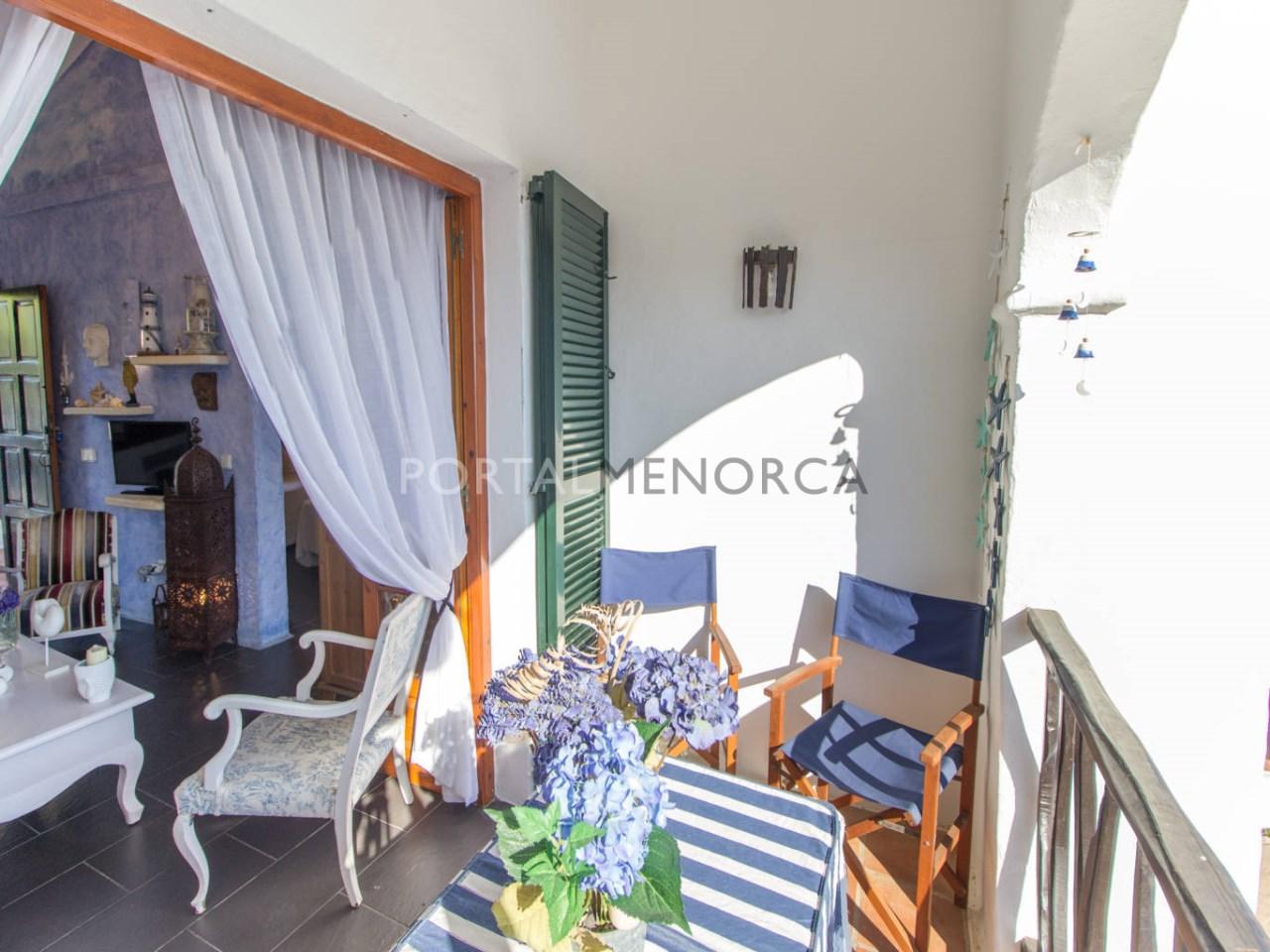 Apartamento con vistas al mar en venta y terraza en Playas de Fornells
