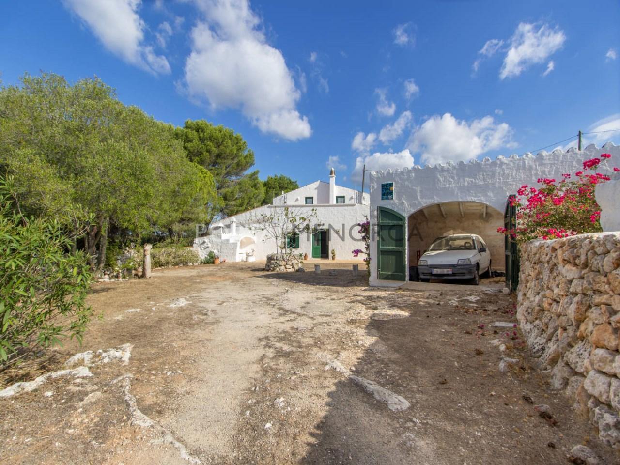 Casa de campo con gran terreno en venta en Sant Climent
