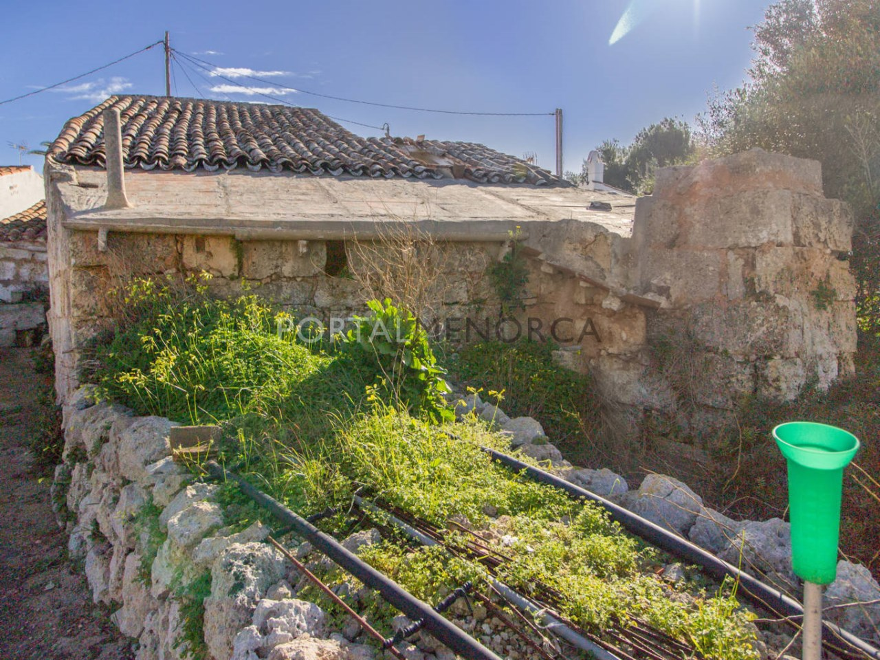 Country house for renovation for sale near Sant Lluís