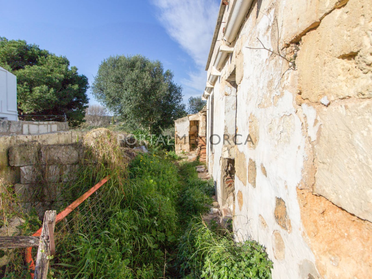 Country house for renovation for sale in Menorca