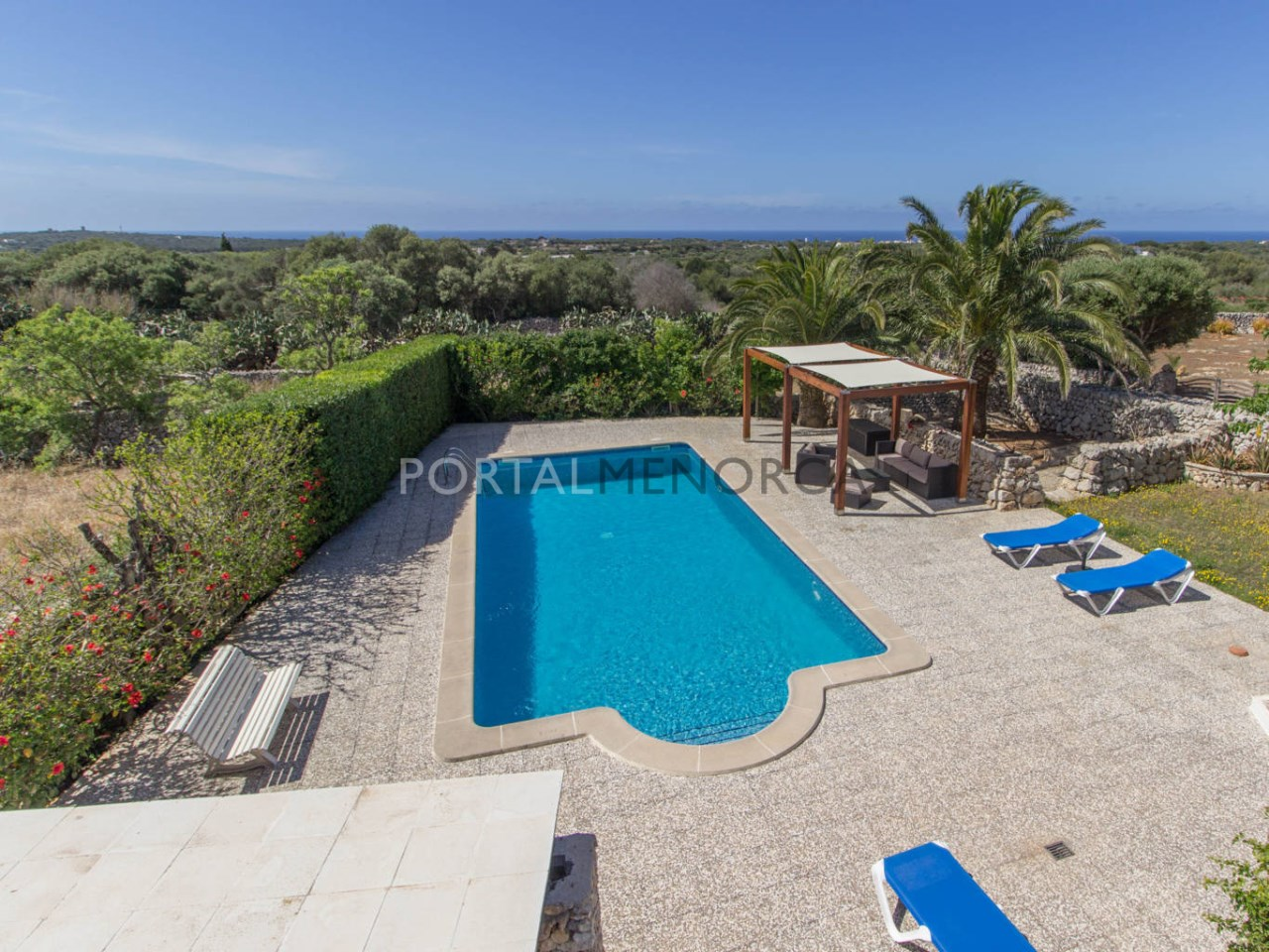 Country house with sea view for sale in S'Uestra