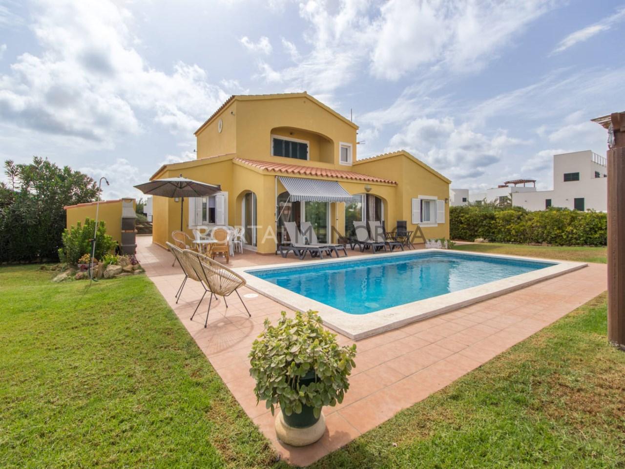 Chalet con piscina en venta en Punta Grossa