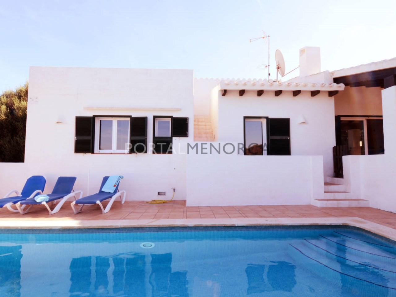Casa con piscina y licencia turística en venta en Menorca
