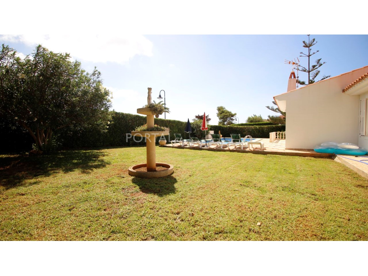 House by the beach for sale in Binibeca