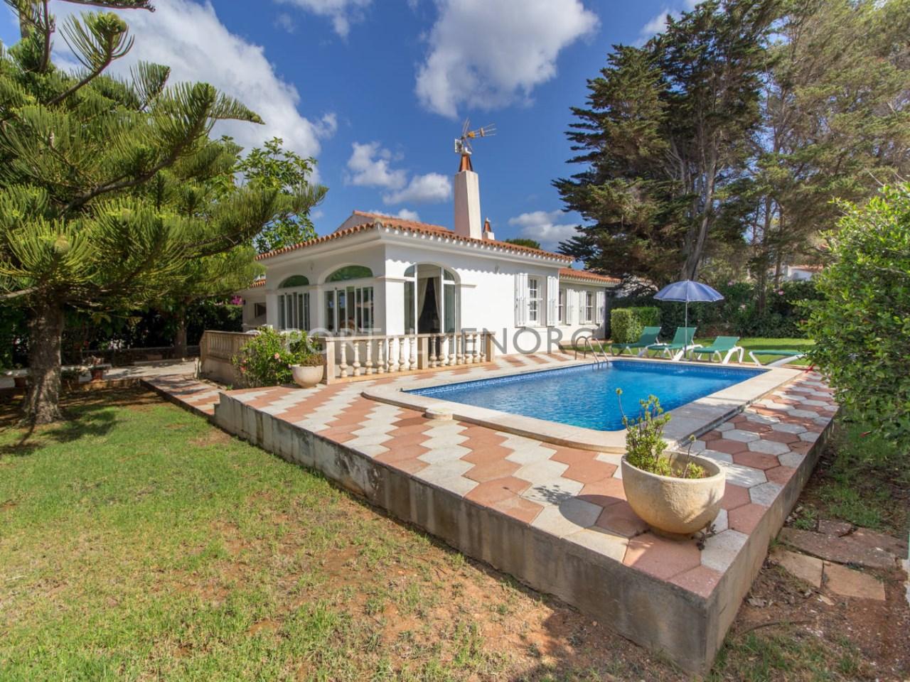 Casa con piscina y licencia turística
