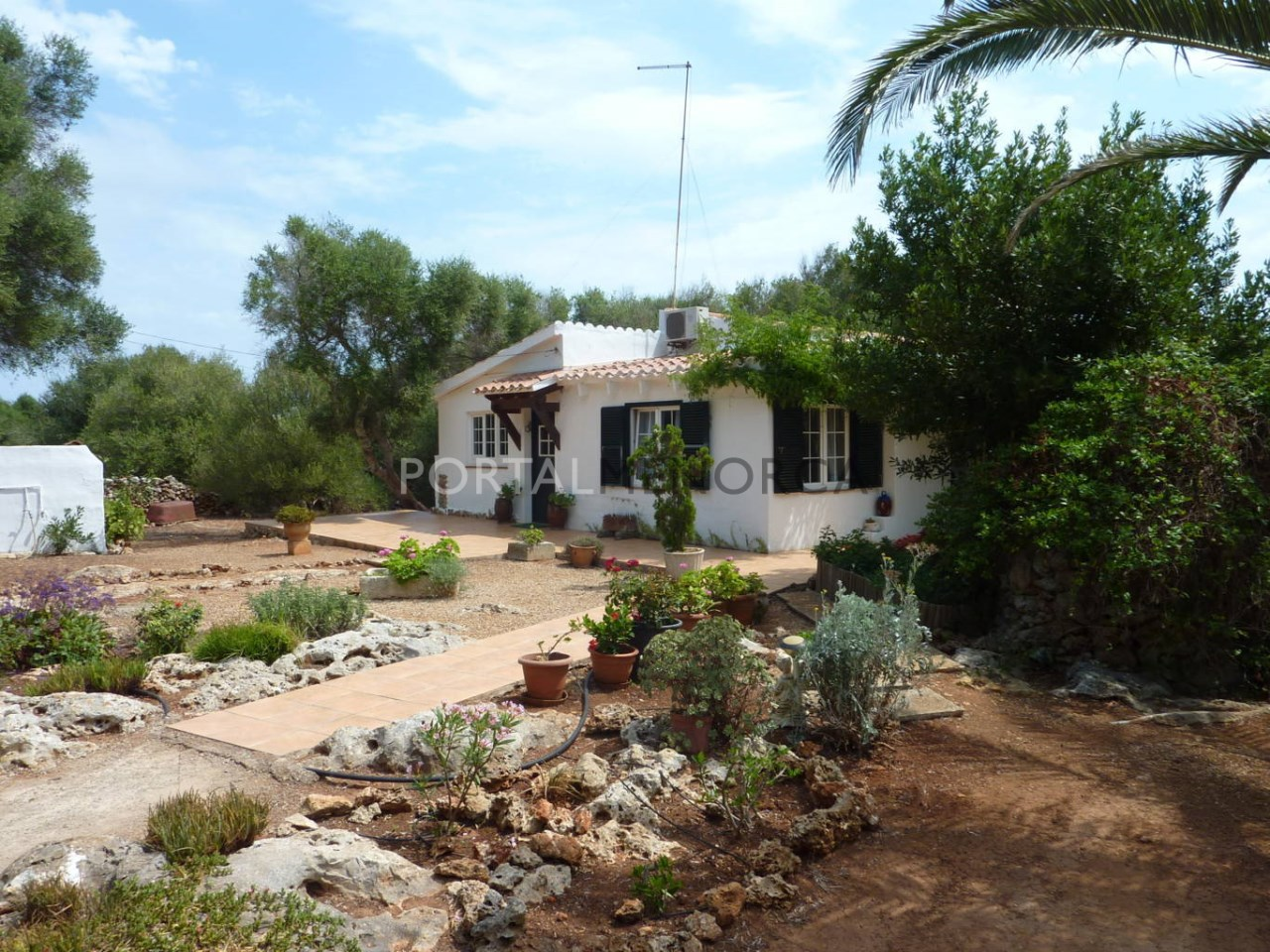 Beautiful country house for sale in Sant Lluis
