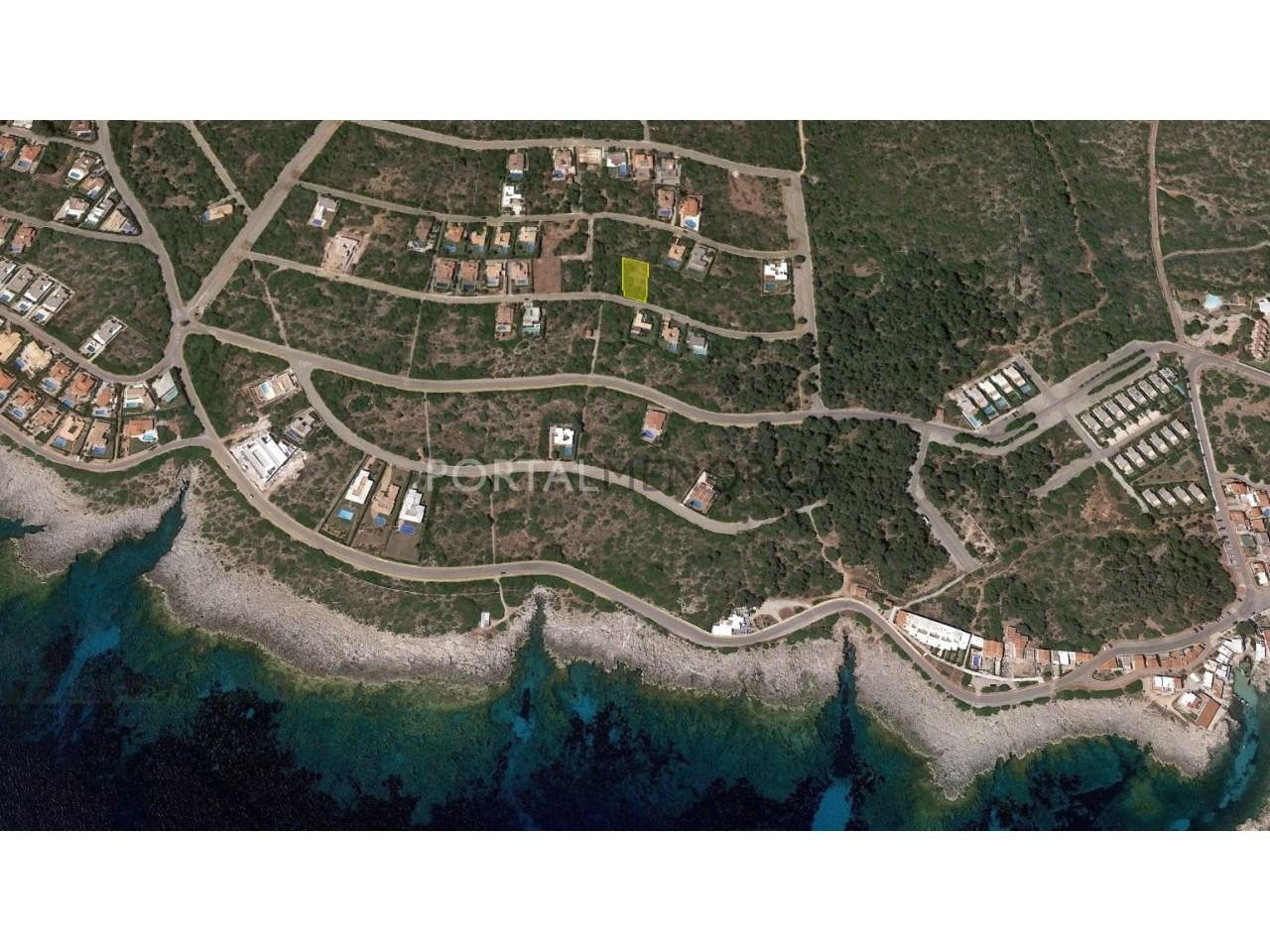 Parcela urbana cerca del mar en venta en Menorca