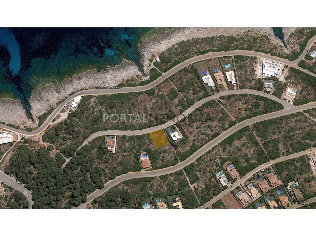 Parcela urbana con vistas al mar en venta Menorca