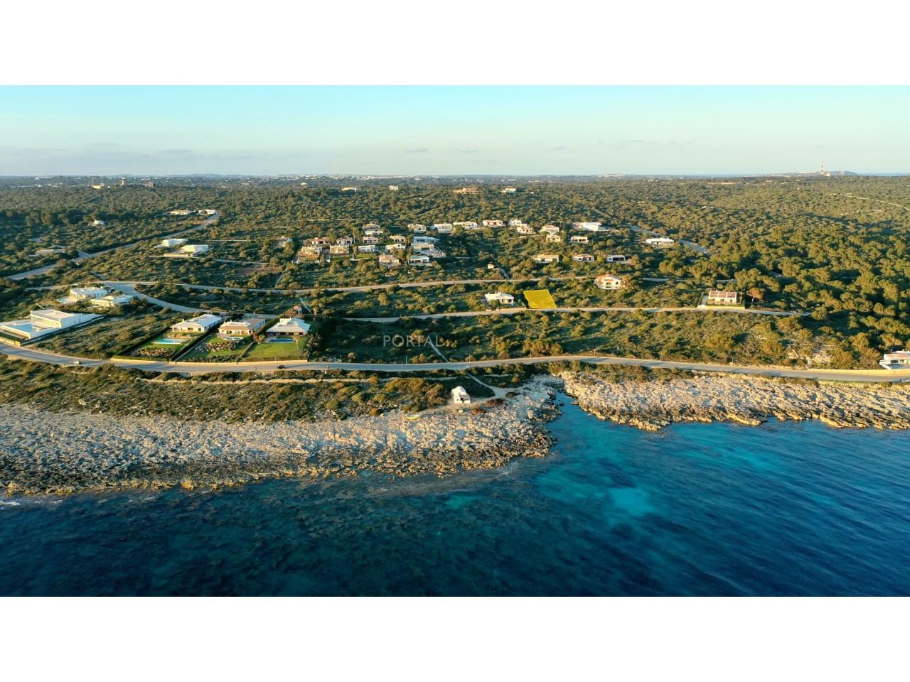 Parcela edificable con vistas al mar en venta Menorca