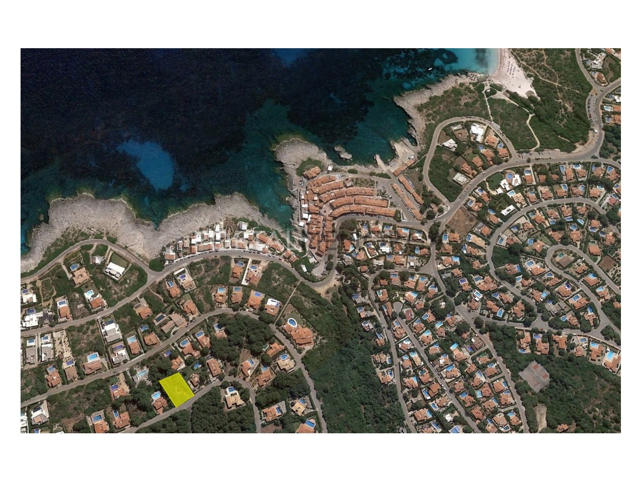 Large urban plot by the sea for sale in Menorca