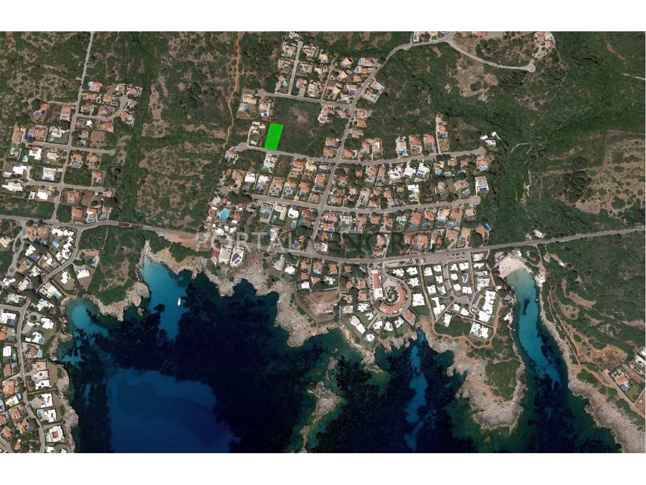 Parcela urbana con vistas al mar en venta en Menorca