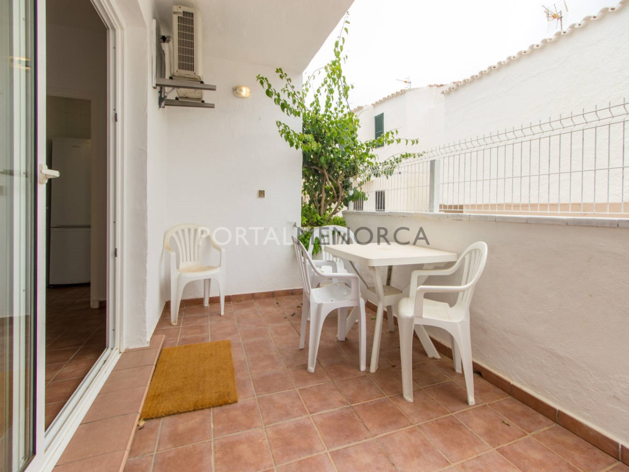 Apartment with terrace for sale in Cala Torret